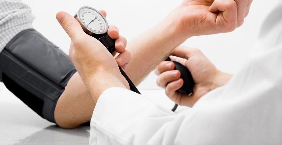 Висок крвен притисок е 130 80   Ново тврдење на кардиолози